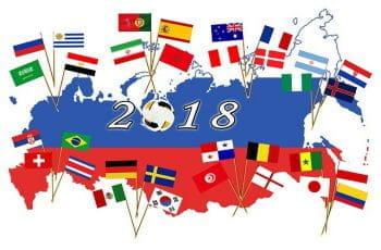 Alle deltagende landes flag til VM i Rusland i 2018 er stukket ned i et kort over Rusland.