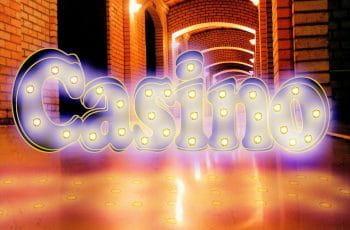 Ordet casino står med neonbogstaver.